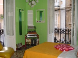 Hilux Valencia - Feetup Hostels